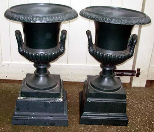Urns, Mott Cast Iron Pr