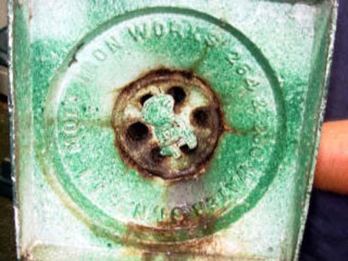 Garden Urns, Mott Cast Iron Pr