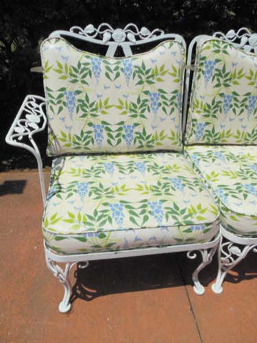 Sofa, Woodard Vintage Chantilly Rose Sold