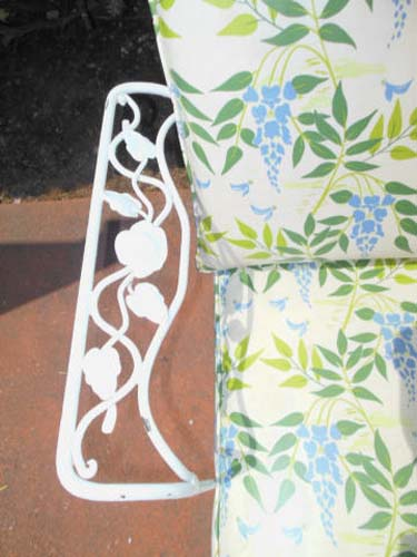 Sofa, Woodard Vintage Chantilly Rose Sold