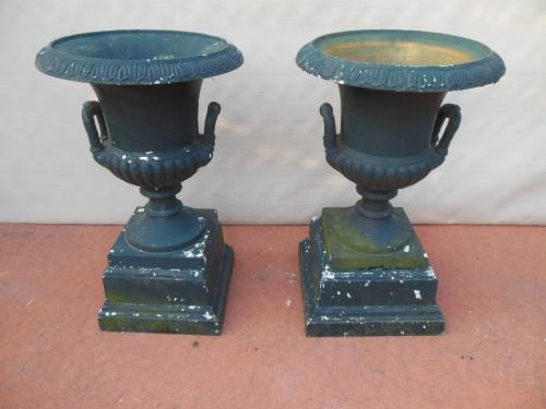 Garden Urns, Mott Cast Iron Pr SOLD