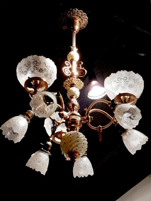 Gas/Electric 9 Arm Chandelier