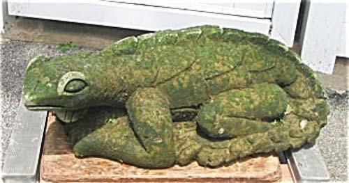 Garden- Cast Stone Lizard Sold