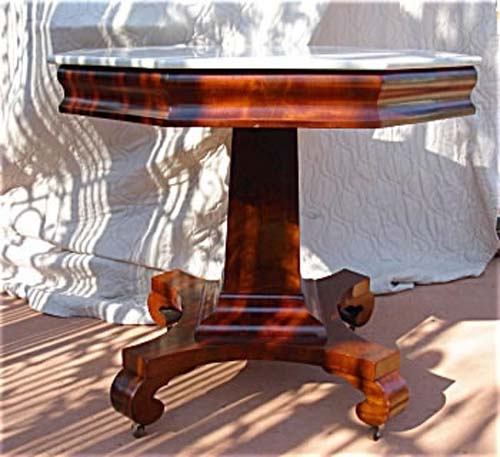 Am. Classical Mahogany Center Table