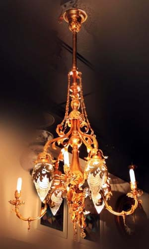 Gas/Electric pr of chandeliers