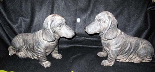 Dogs; Daschunds, pr of resin