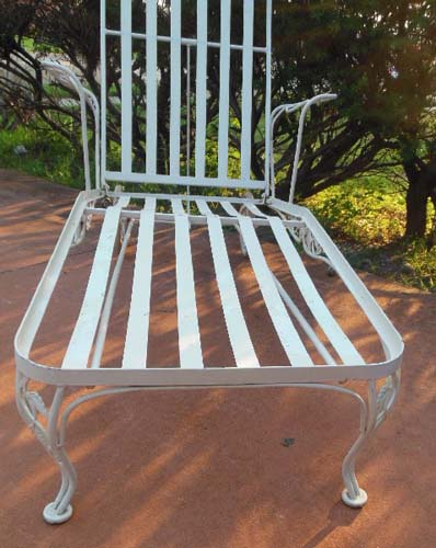 Chaise Woodard Chantilly Rose SOLD