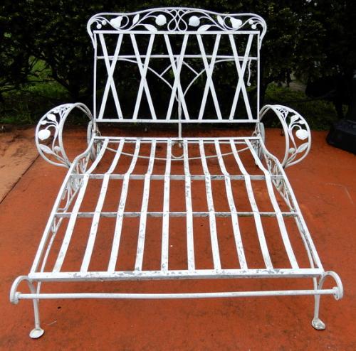 Salterini Double Chaise Della Robbia Pattern