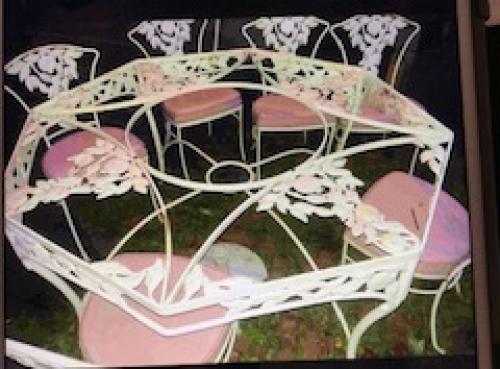 Vintage Molla Octagonal Dining Set