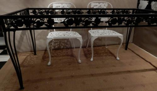 Vintage Molla Dining Table, Cast Aluminum
