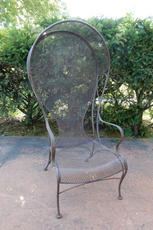 Woodard Hooded Chair