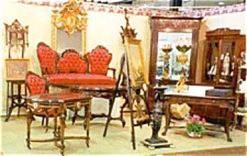 Victorian Furniture In Joan Bogart'S Booth