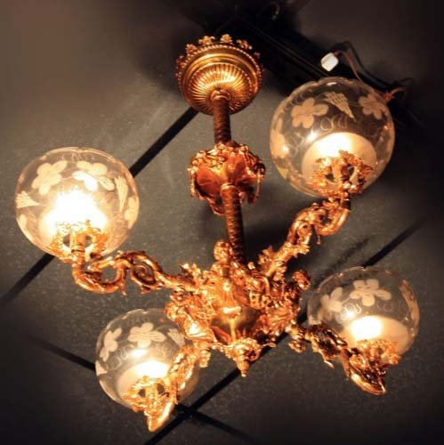 Rococo Gas chandelier with cherubs